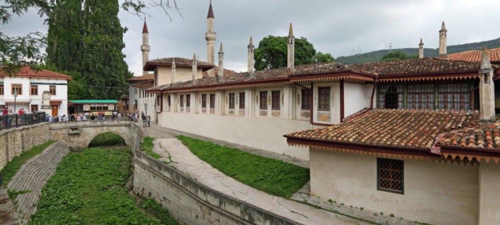 Экскурсия по Ханскому дворцу в Бахчисарае