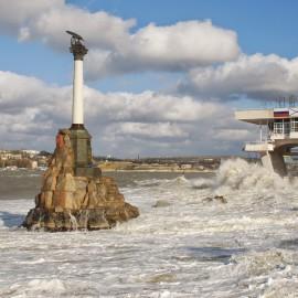 Памятник Затопленным кораблям в Севастополе — самый загадочный памятник города