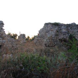 Развалины мечети Куршум Джами в Старом Крыму