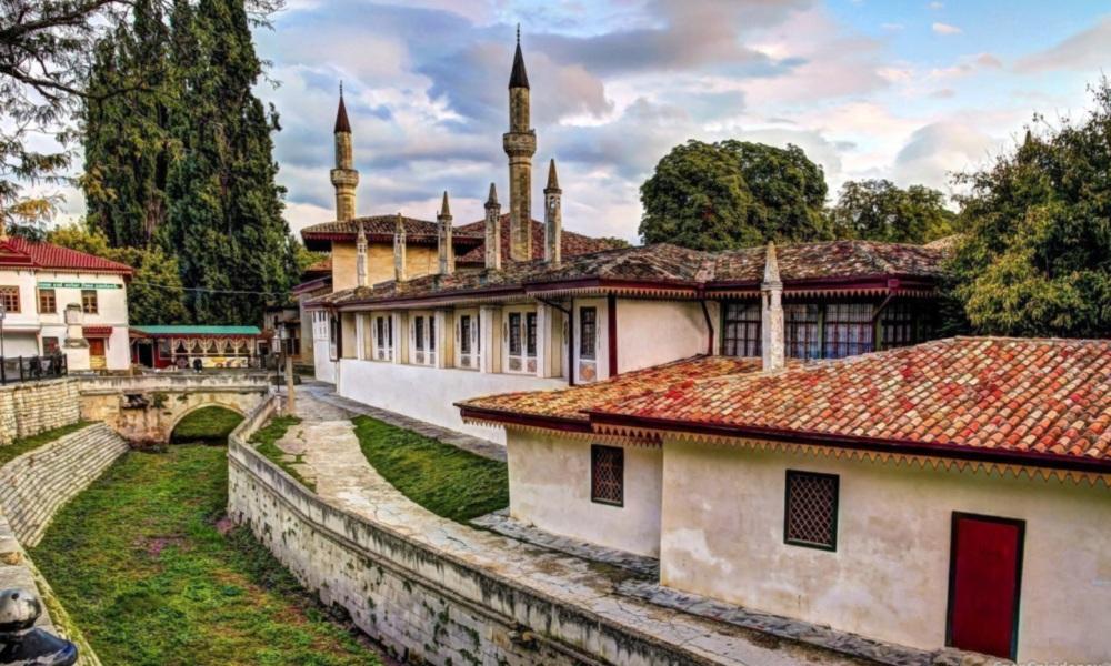 Экскурсионный тур по Крыму - Бахчисарайский дворец
