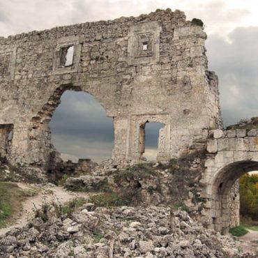 Джип-тур  в самый загадочный пещерный город Крыма и купание в «неземном» озере