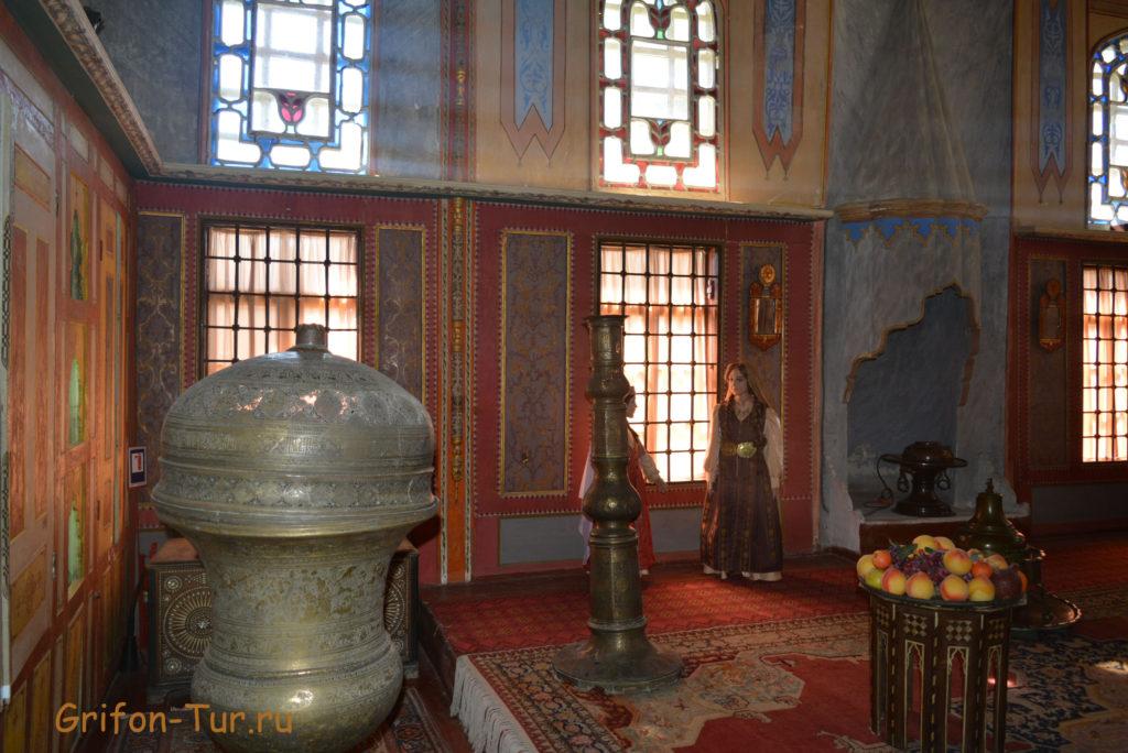 Экскурсия по Бахчисараю